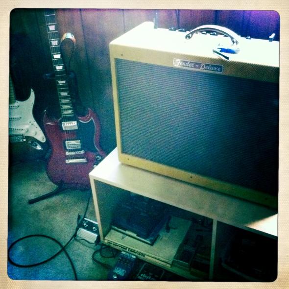 Fender. Epiphone. Fender.